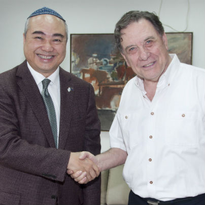 Hong Kong Philanthropist Visits TAU