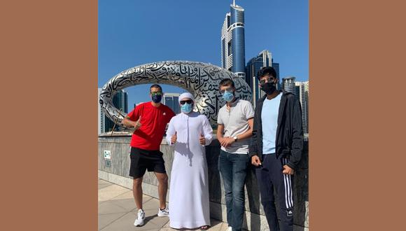Oleg Ben-Avi and his friends from the University of Dubai