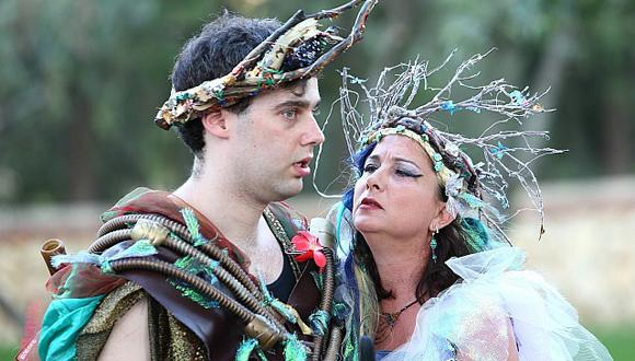 Natan Skop as Oberon, Tamar Naggan as Titania