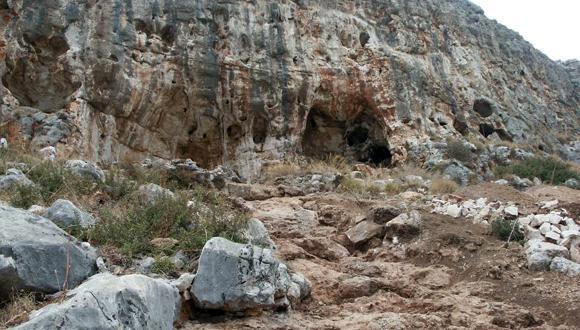 Misliya cave, where the remains were found (photo: Mina Weinstein Evron, Haifa University)