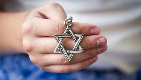 Antisemitism During the Pandemic: Less Physical Violence, Upsurge in Online Antisemitism