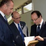 French President Hollande Visits Tel Aviv University